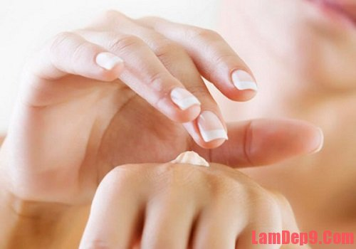 Cách làm trắng tay cực kì đơn giản và nhanh chóng.